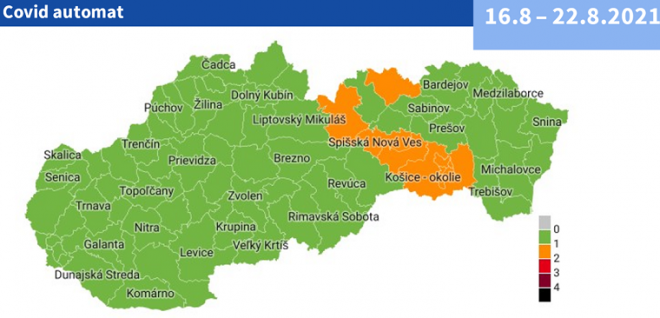 Bratislava – 15. augusta 2021 -  Od pondelka 16.8.2021 bude deväť okresov v oranžovej fáze podľa nového Covid Automatu, ktorý 10.8.2021 schválila vláda. V oranžovej fáze budú od pondelka okresy Košice I – IV, Košice okolie, Gelnica, Spišská Nová Ves, Poprad a Stará Ľubovňa.  Nový Covid Automat zavádza päť farieb rizikovosti okresov - od zelenej (monitoring), cez oranžovú (ostražitosť), červenú (1. stupeň ohrozenia), bordovú (2. stupeň ohrozenia), až po čiernu (3. stupeň ohrozenia). Pri zmene farby sa má brať do úvahy okrem počtu pozitívnych prípadov napríklad aj zaočkovanosť okresu v populácii nad 50 rokov. Čím viac očkovaných v tejto skupine ľudí bude daný okres mať, tým bude väčšia šanca, že sa posunie do lepšej farby a napriek číslu nakazených v ňom budú platiť miernejšie opatrenia. Nový Covid Automat sa snaží vytvoriť taký režim, aby zaočkované osoby boli čo najmenej obmedzované a mali čo najviac výhod.  Prevádzky dostanú možnosť rozhodnúť sa, či budú púšťať iba zaočkovaných, alebo negatívne testovaných a ľudí, ktorí prekonali ochorenie COVID-19, alebo všetkých vrátane neočkovaných a netestovaných. Podľa toho sa budú odvíjať aj ďalšie opatrenia. Nová verzia Alert systému pre monitorovanie vývoja pandémie a prijímanie opatrení proti SARS-CoV-2  /COVID automat/  Aplikácia COVID AUTOMAT Platné opatrenia Úradu verejného zdravotníctva SR  Zdroj: health.gov.sk  Súvisiace oznamy ZMOS: Aktuálne všetky okresy v zelenej farbe Od 26. júla zostáva celé Slovensko zelené podľa COVID AUTOMATu Od 19. júla bude celé Slovensko zelené podľa COVID AUTOMATu Od 12. júla 76 zelených okresov a 3 žlté podľa COVID AUTOMATu Od 5. júla 46 zelených okresov a 33 žltých podľa COVID AUTOMATu Od 28. júna 27 zelených okresov a 1 červený podľa COVID AUTOMATu Od 21. júna 17 zelených okresov a 1 červený podľa COVID AUTOMATu Od 14. júna 6 zelených okresov a 2 červené podľa COVID AUTOMATu Od 7. júna 2 zelené okresy a 3 červené podľa COVID AUTOMATu Od 31. mája 24 žltých okresov a 3 červené podľa COVID